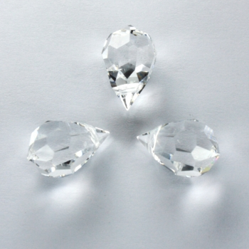 M.C. DROP 9x15mm crystal 3 PCS