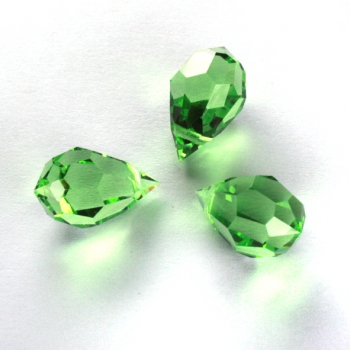 M.C. DROP 9x15mm peridot 3 PCS